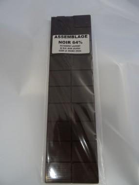 Tablette de chocolat noir  64%